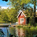 Sjöstugan, stugan vid sjön med båten